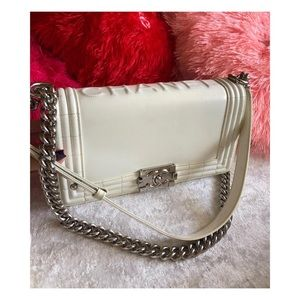 Chanel medium Size Le Boy.FIRM PRICE❌